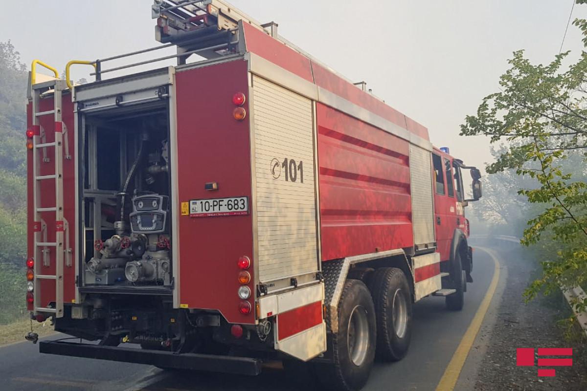 Sabirabadda avtomobil yanıb, bir nəfər xəsarət alıb