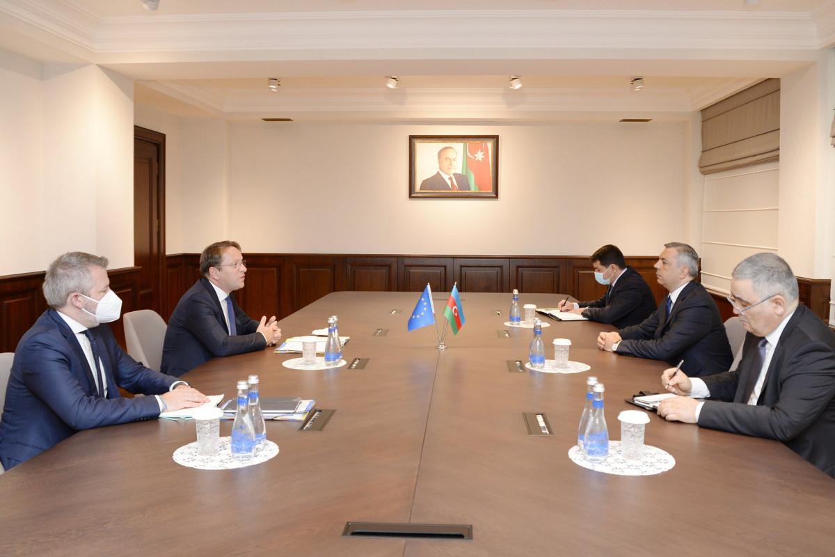 EU Commissioner meets with Samir Nuriyev and Hikmet Hajiyev