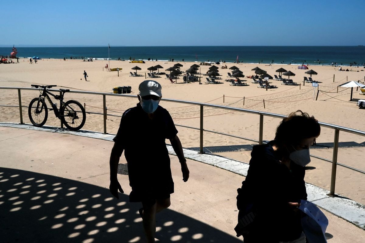 Portugal orders COVID test, vaccination proof at hotel check-in