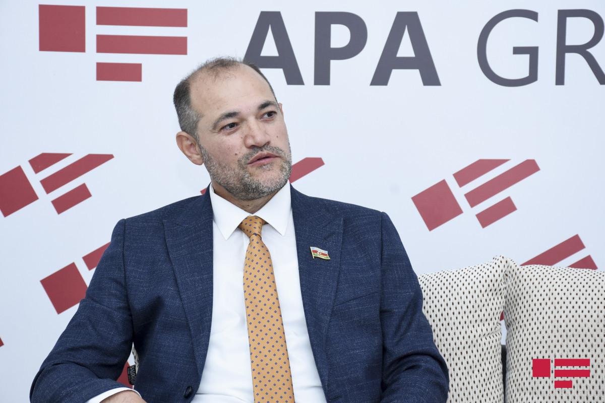 """Deputat: """"İndi intellekt və siyasi mədəniyyət zamanıdır""""  - VİDEO  - YENİLƏNİB"""