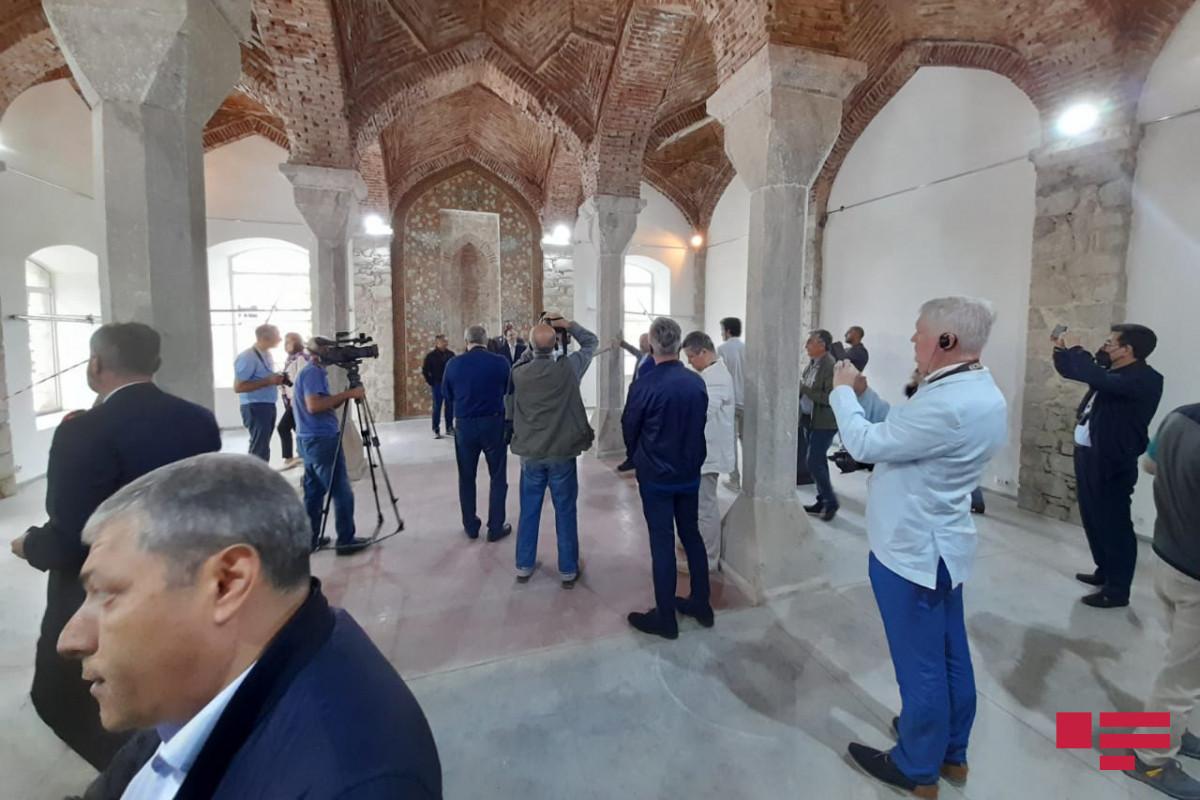 Иностранные дипломаты посетили мечеть Саатлы в Шуше