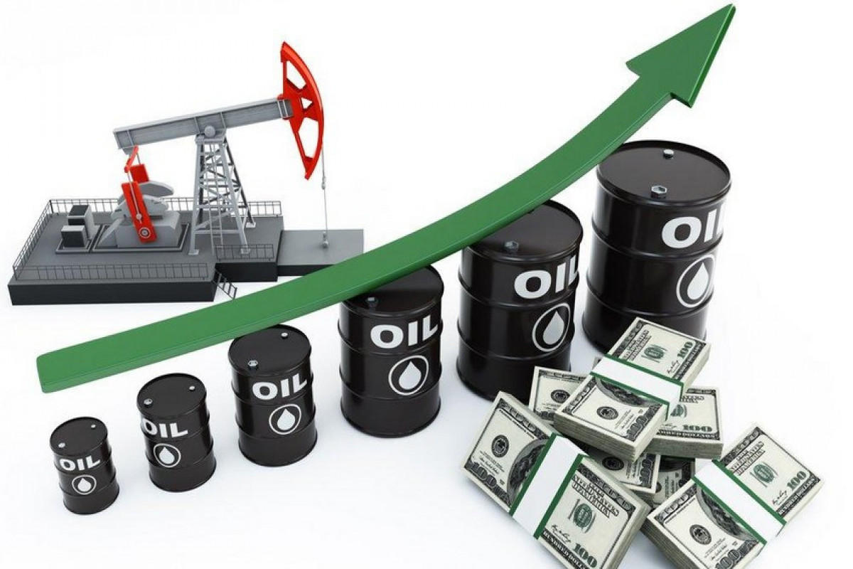 Azerbaijani oil price goes up about 3%