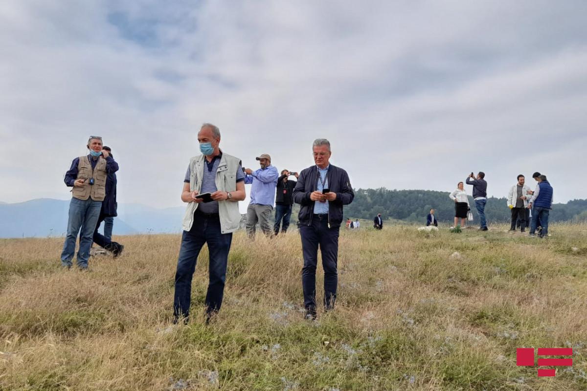 Xarici diplomatlar Şuşada Cıdır düzündə olublar - VİDEO  - FOTO  - YENİLƏNİB
