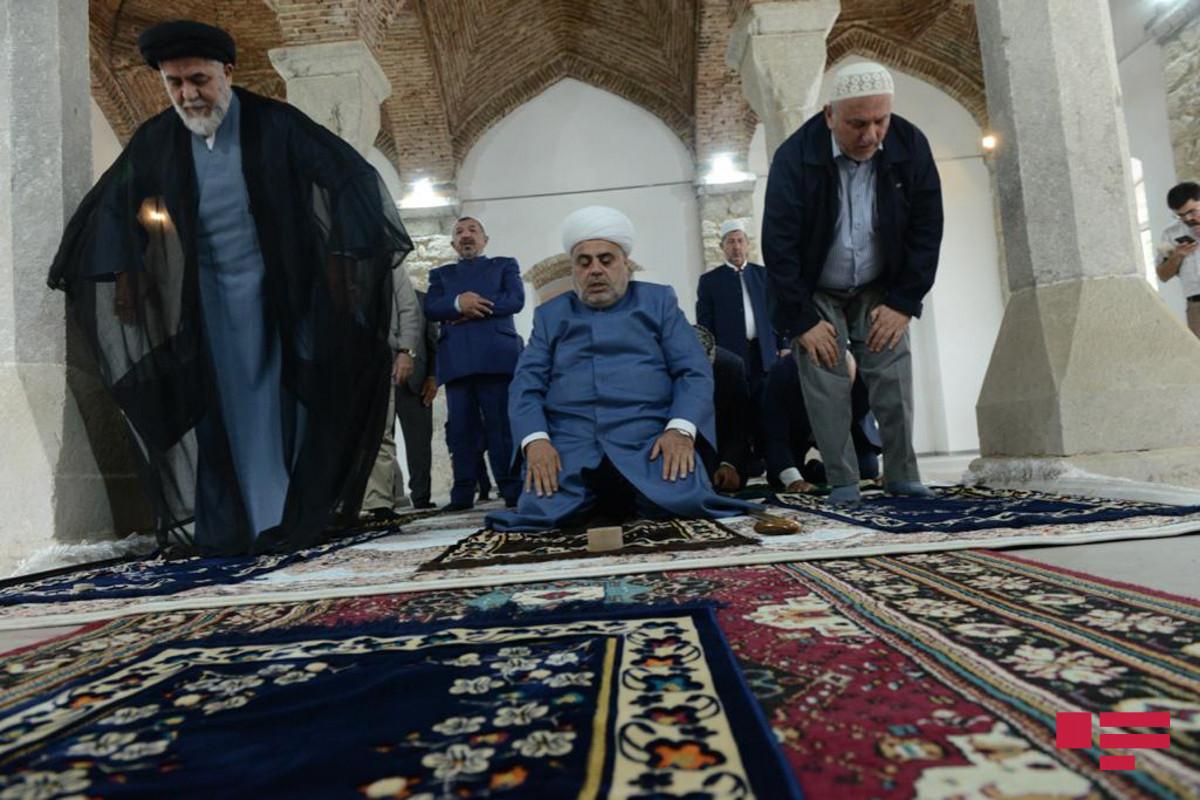 Religious figures prayed at the Saatli mosque in Shusha