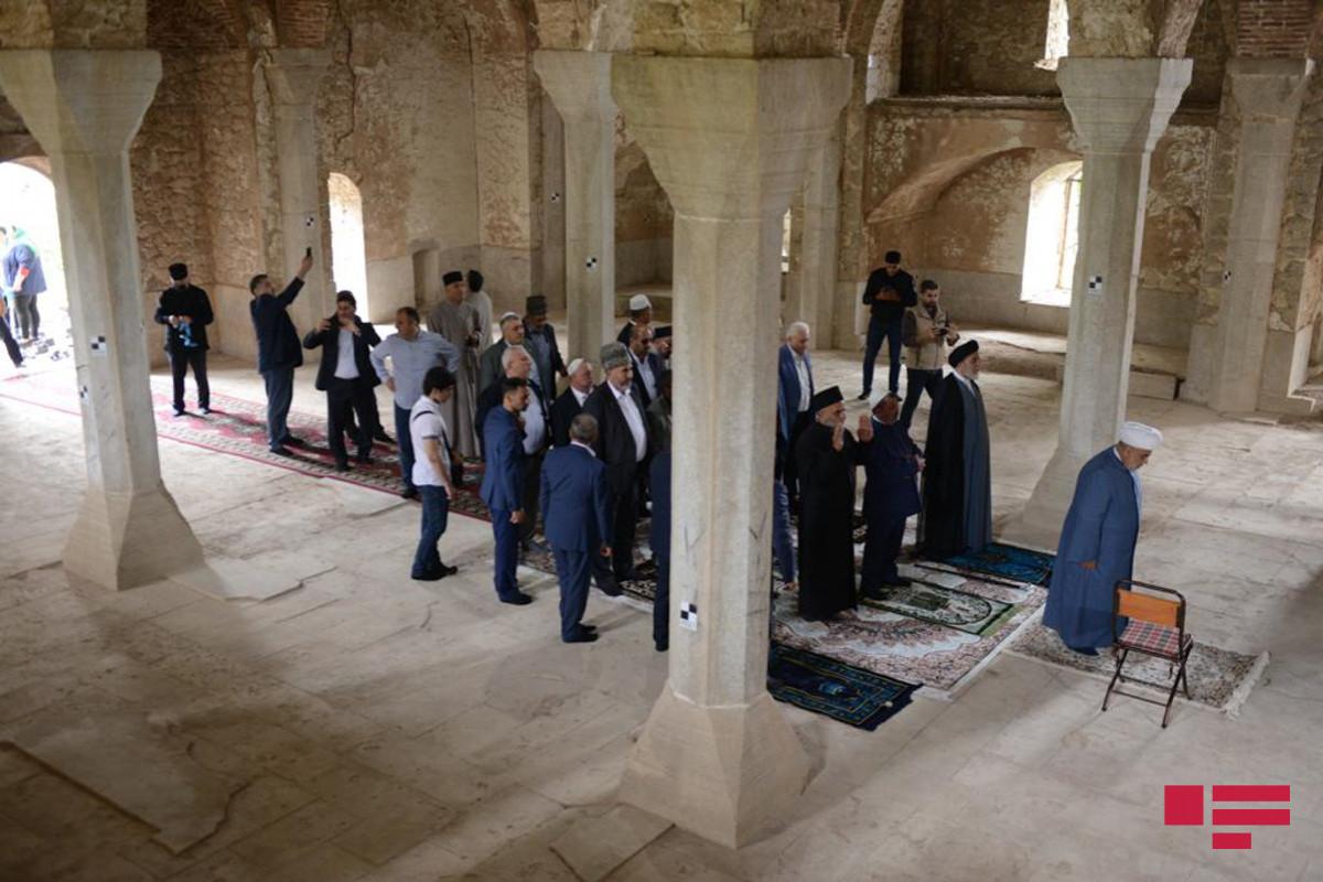 Şuşada Aşağı Gövhər Ağa məscidi ziyarət olunub, Quran oxunub