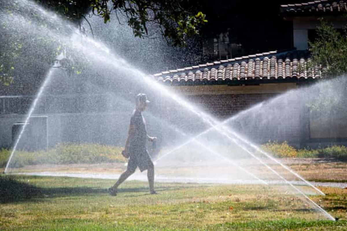 US heatwave brace for record-breaking temperatures