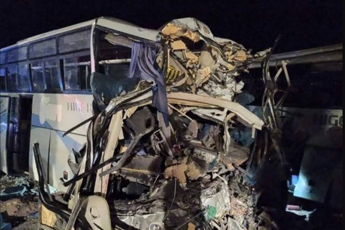 Əlcəzairdə turist avtobusu yük maşınıyla toqquşub, 18 nəfər ölüb