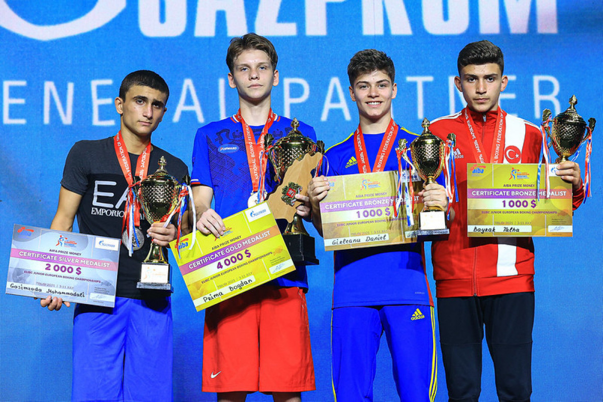 Azerbaijani boxer finishes European Championship with silver medal