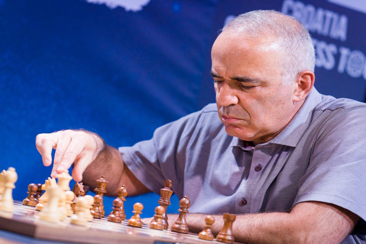 Şəhriyar Məmmədyarova uduzan Harri Kasparov uğursuzluğa görə üzr istəyib