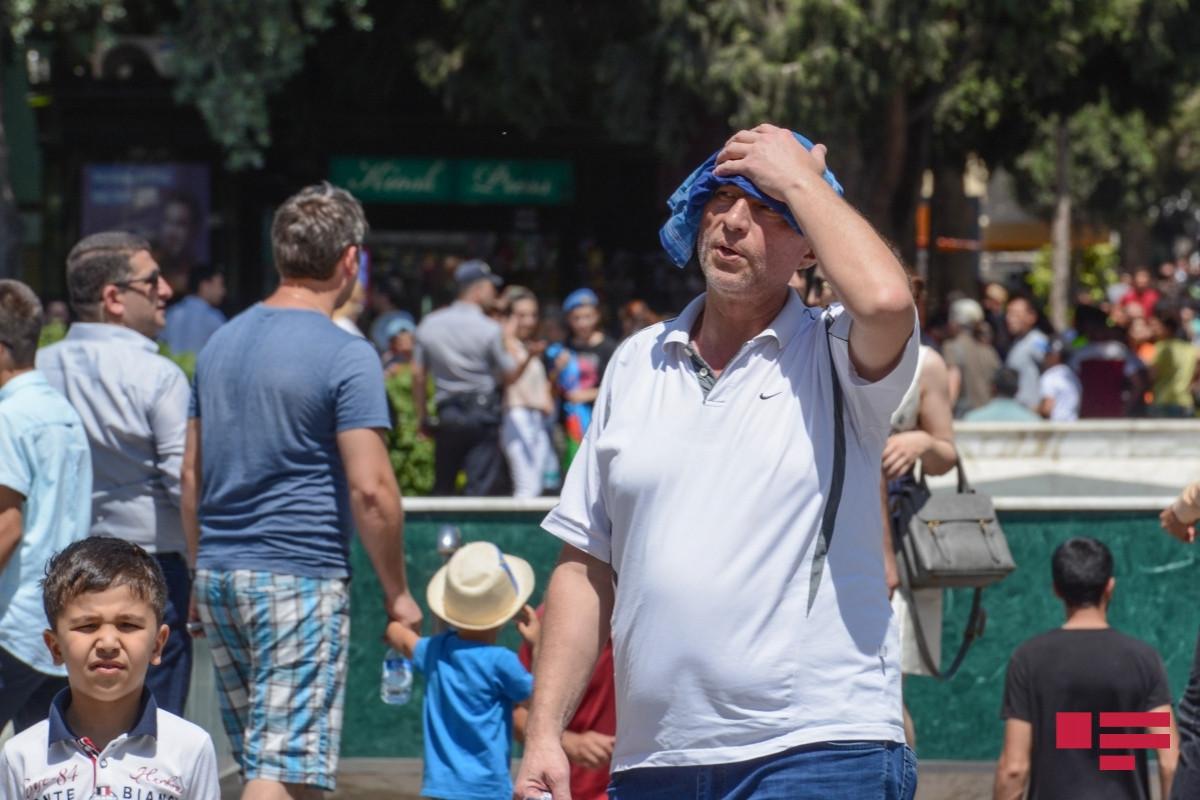 С начала лета в Баку солнечный удар получили 29 человек