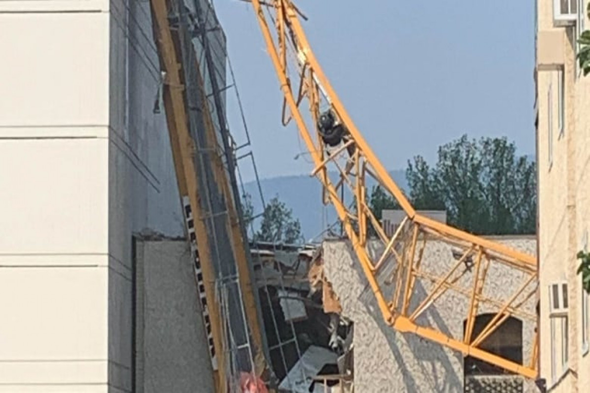 Several killed in western Canada as crane collapses, police say