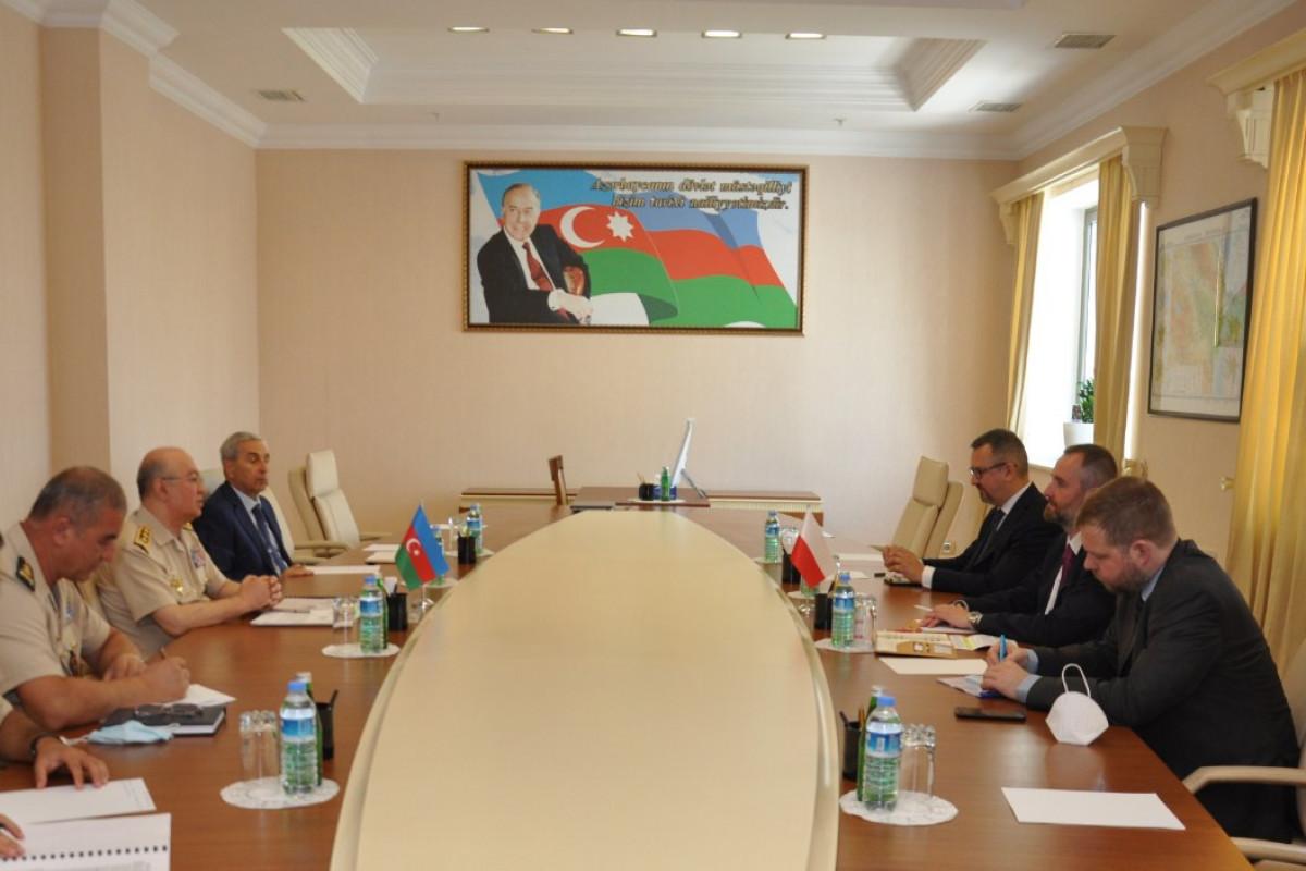 Kamaladdin Heydarov meets with Polish ambassador