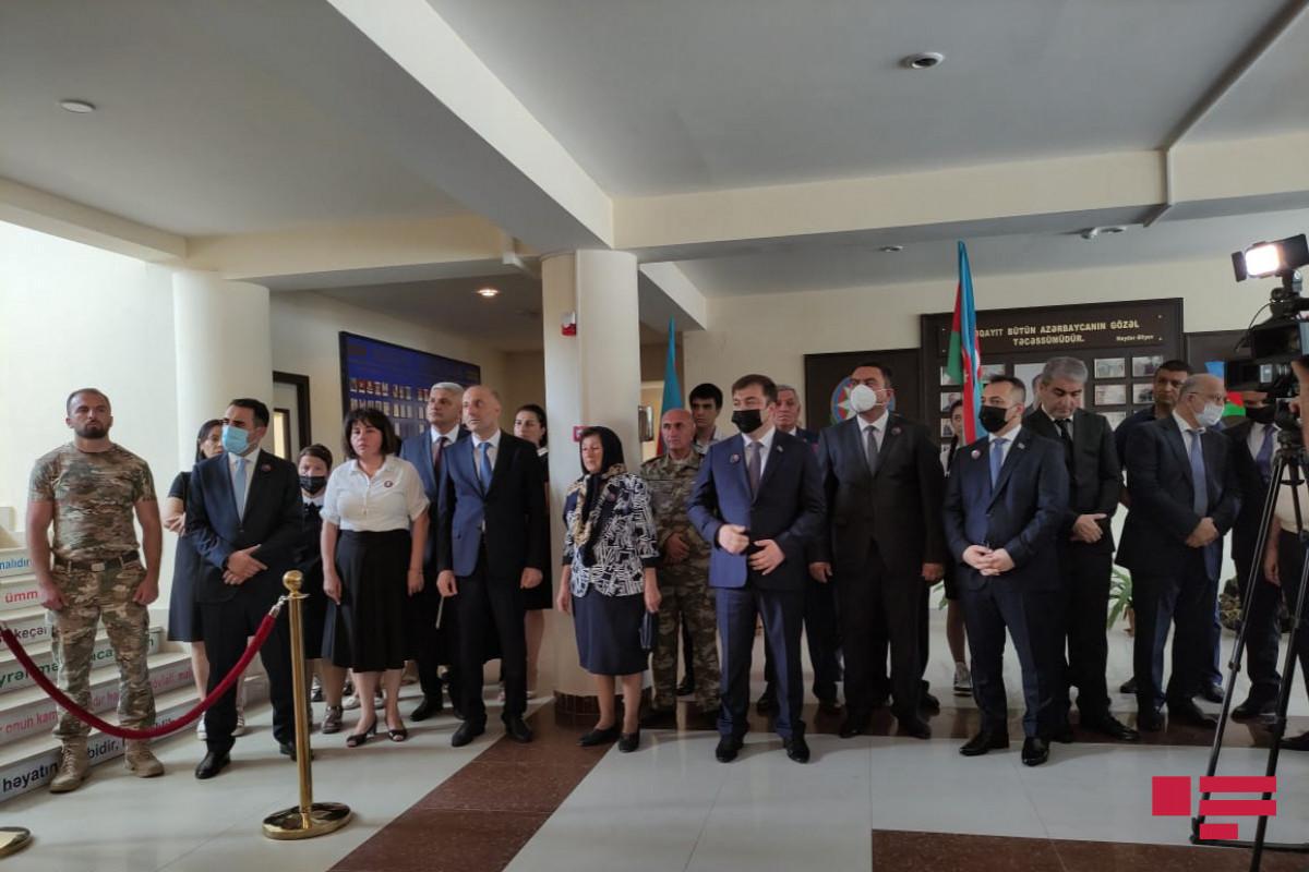 В Сумгайыте открыли бюст национальному герою Поладу Гашимову и мемориальный музей-ФОТО