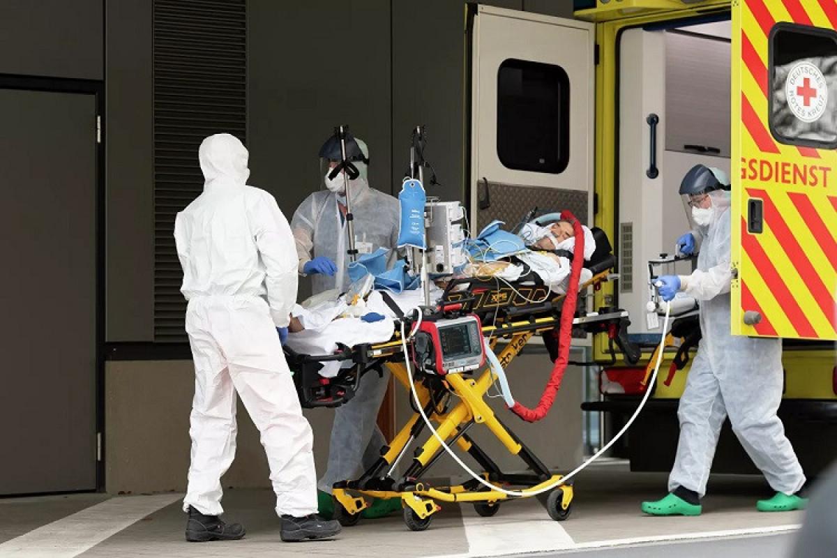 Britaniyada 42 mindən çox insanda koronavirus aşkarlanıb