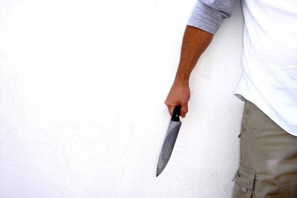 Bakıda kafedə dava zamanı bir nəfər bıçaqlanıb