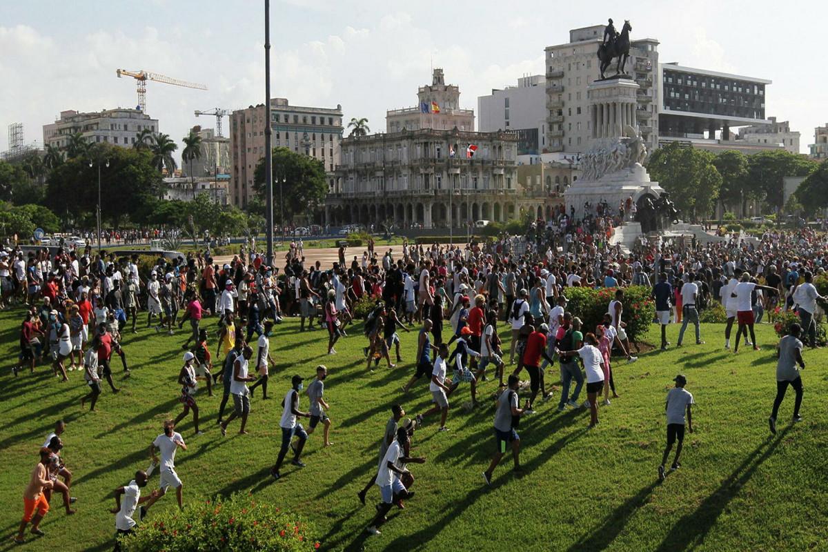 В США призвали начать бомбардировку Кубы