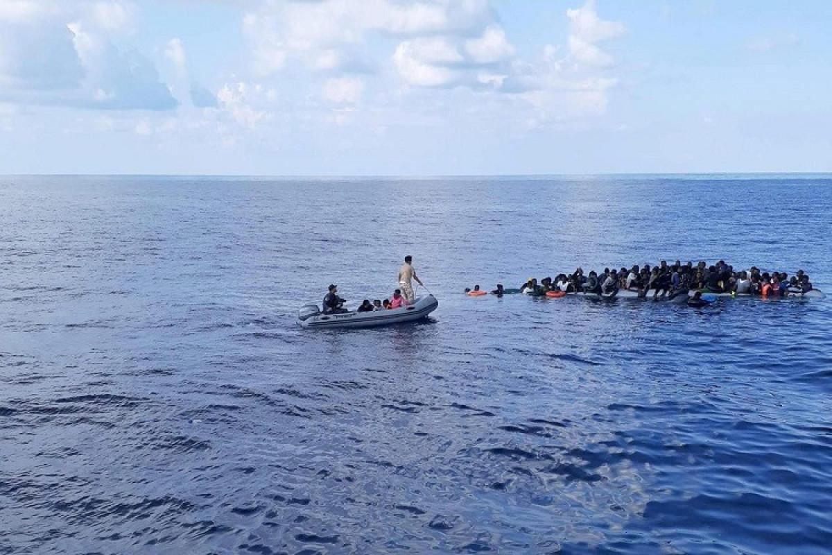 Mərakeş donanması 340-dan çox miqrantı batmaqdan xilas edib