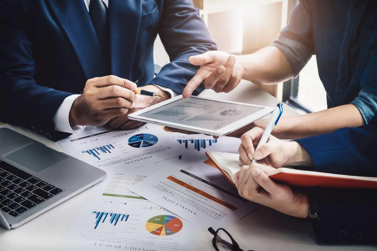 Азербайджан улучшил позицию в рейтинге деловых рисков