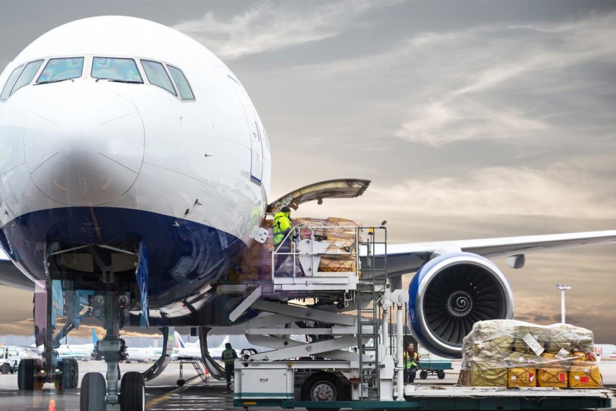 В Азербайджане грузоперевозки воздушным транспортом выросли на 23%