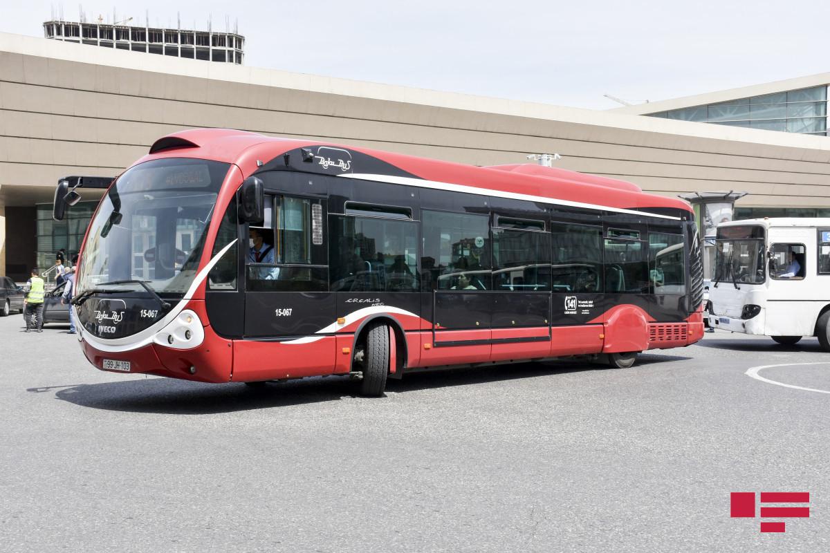 Bakıda avtobusların 58%-i nağdsız ödəniş sisteminə inteqrasiya edilib