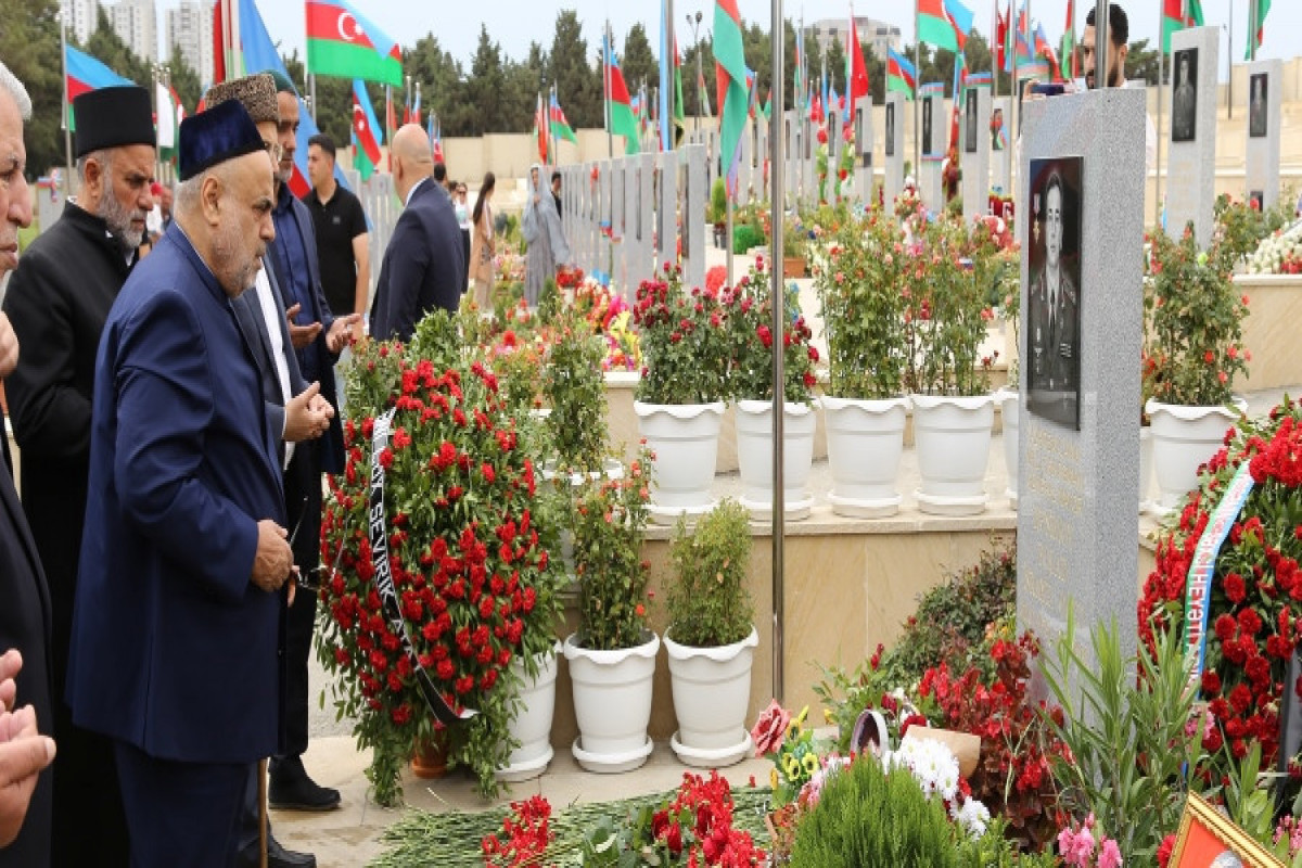 CMO chairman and leaders of religious confessions visited grave of Polad Hashimov and Ilgar Mirzayev