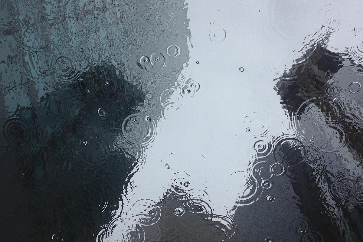В ОАЭ в 50-градусную жару испытали технологию искусственного вызова дождей-ВИДЕО