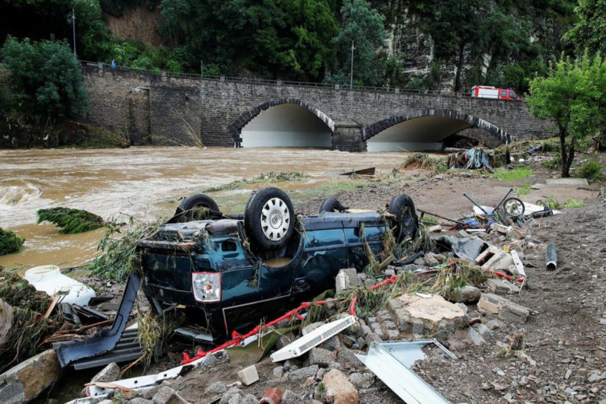 Число жертв наводнения в Германии увеличилось до 100-ОБНОВЛЕНО