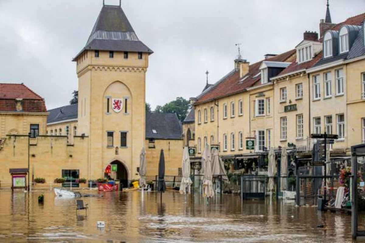 Thousands evacuated in the Netherlands