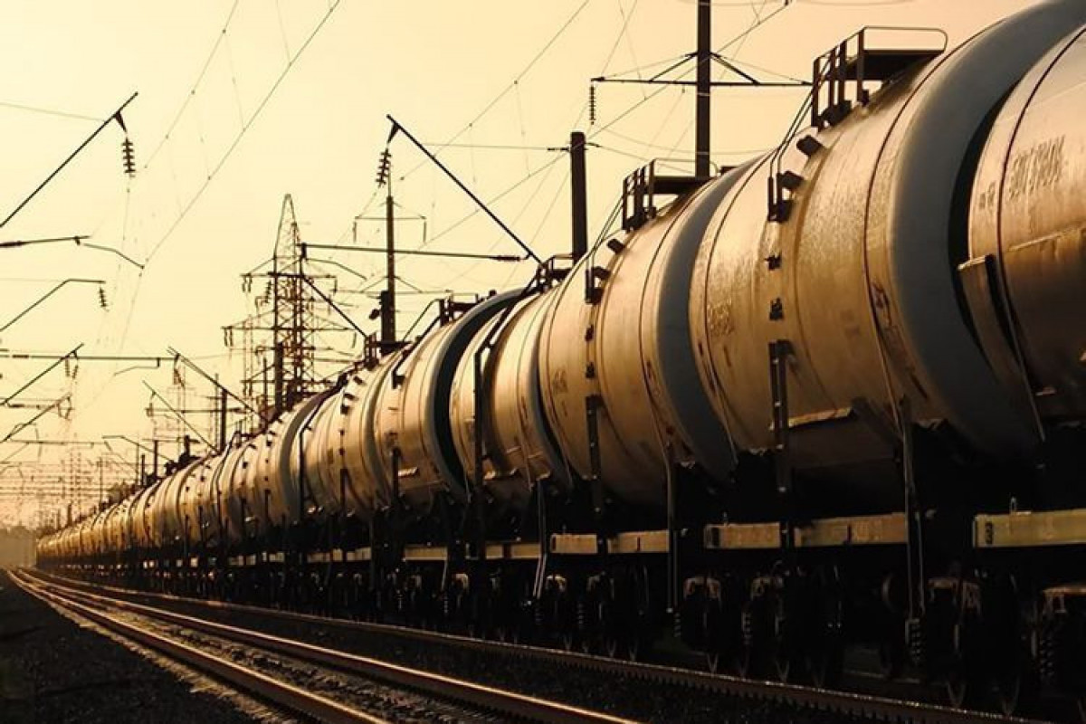 Azerbaijan's revenues from export of oil products increased by 74%