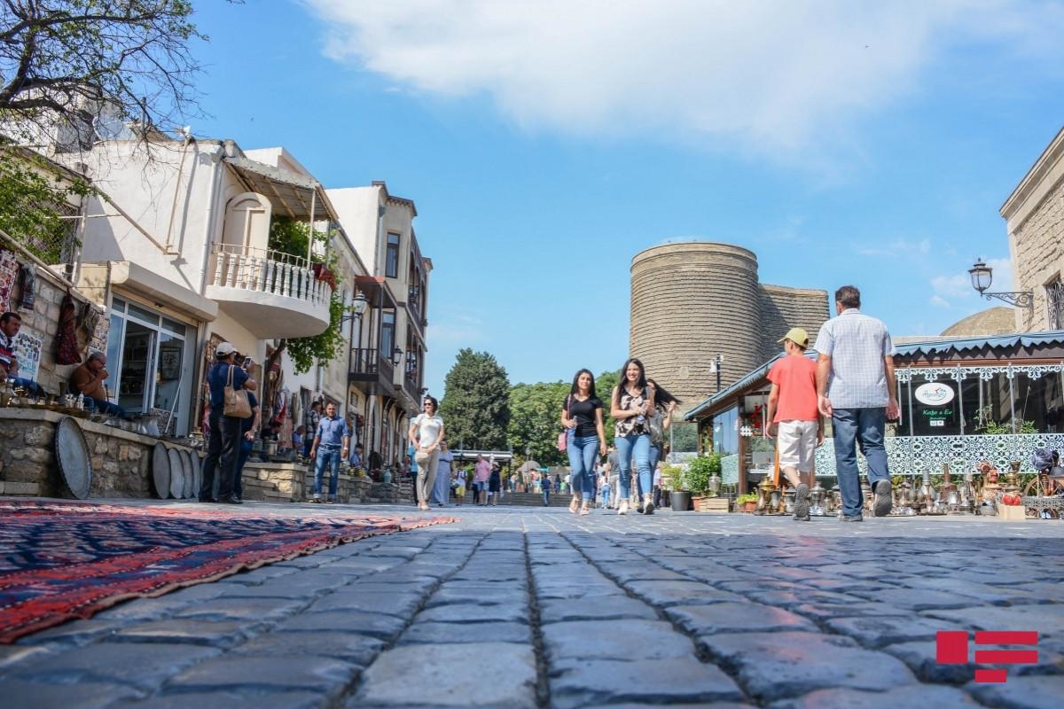 С завтрашнего дня в Азербайджане начинаются 4-дневные праздничные каникулы