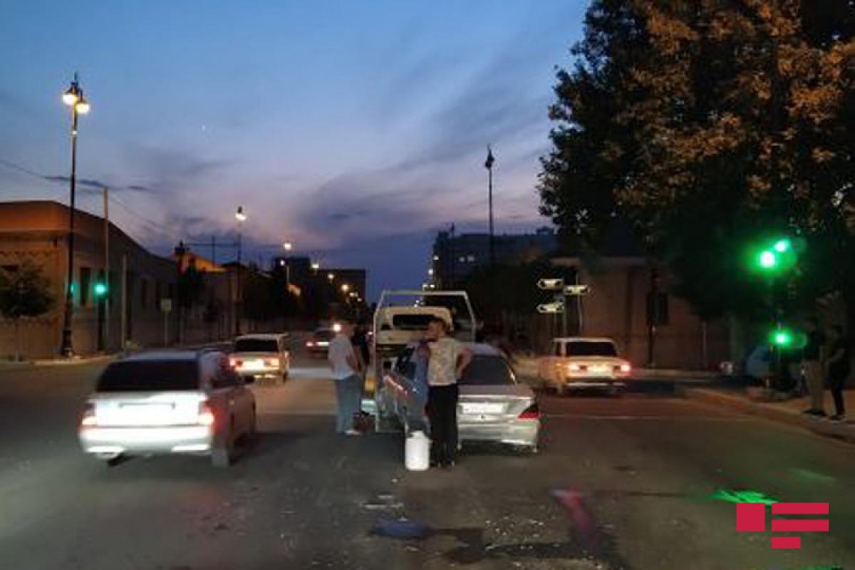 В Гяндже столкнулись три автомобиля марки «Мерседес», есть раненые -ФОТО