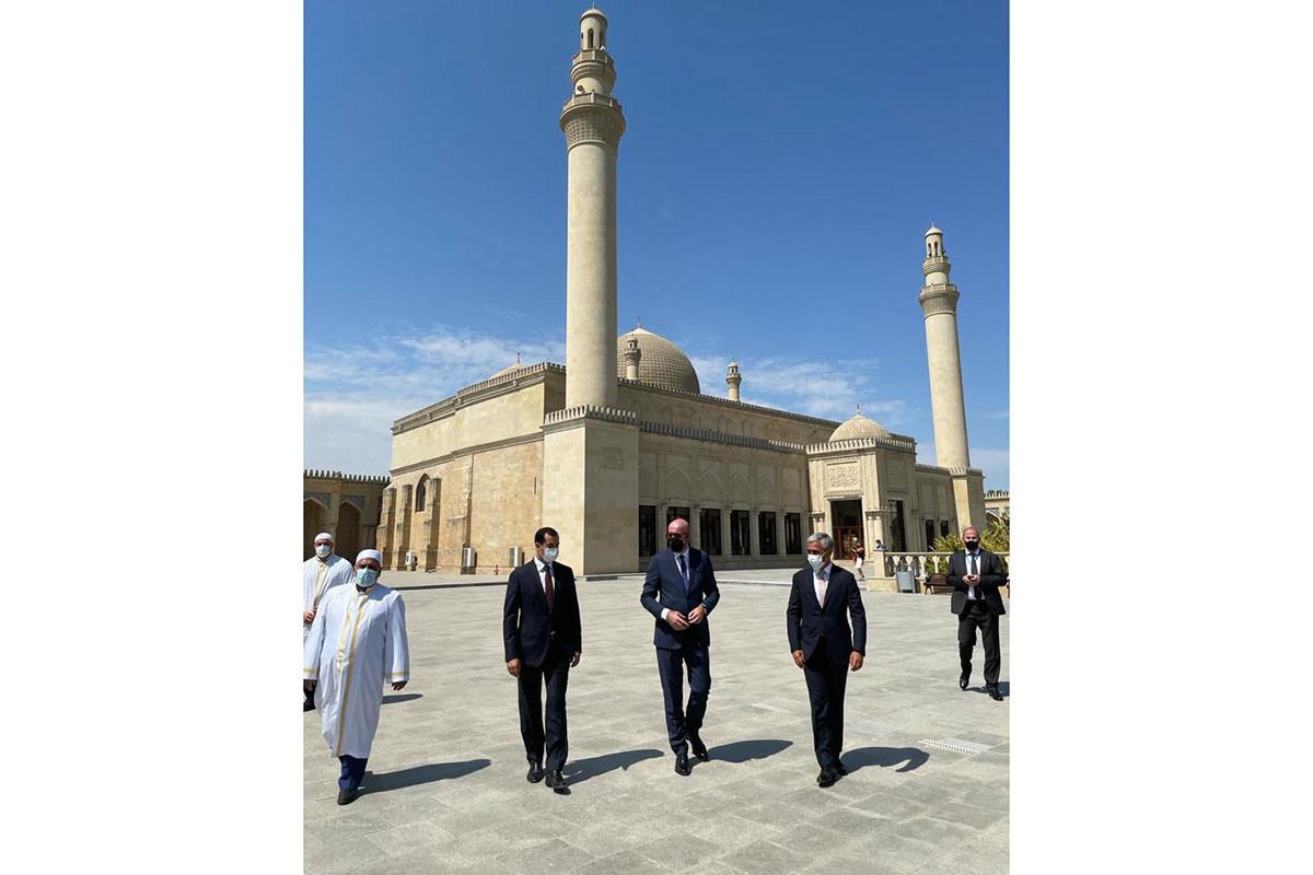 Президент Совета ЕС посетил Джума-мечеть в Шамахы -ФОТО