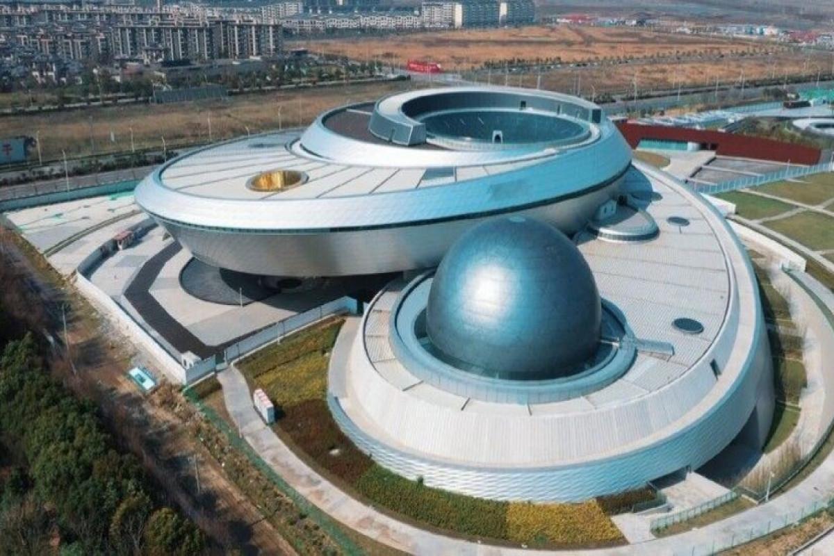 Dünyanın ən böyük kosmik kompleksi Şanxayda açılıb