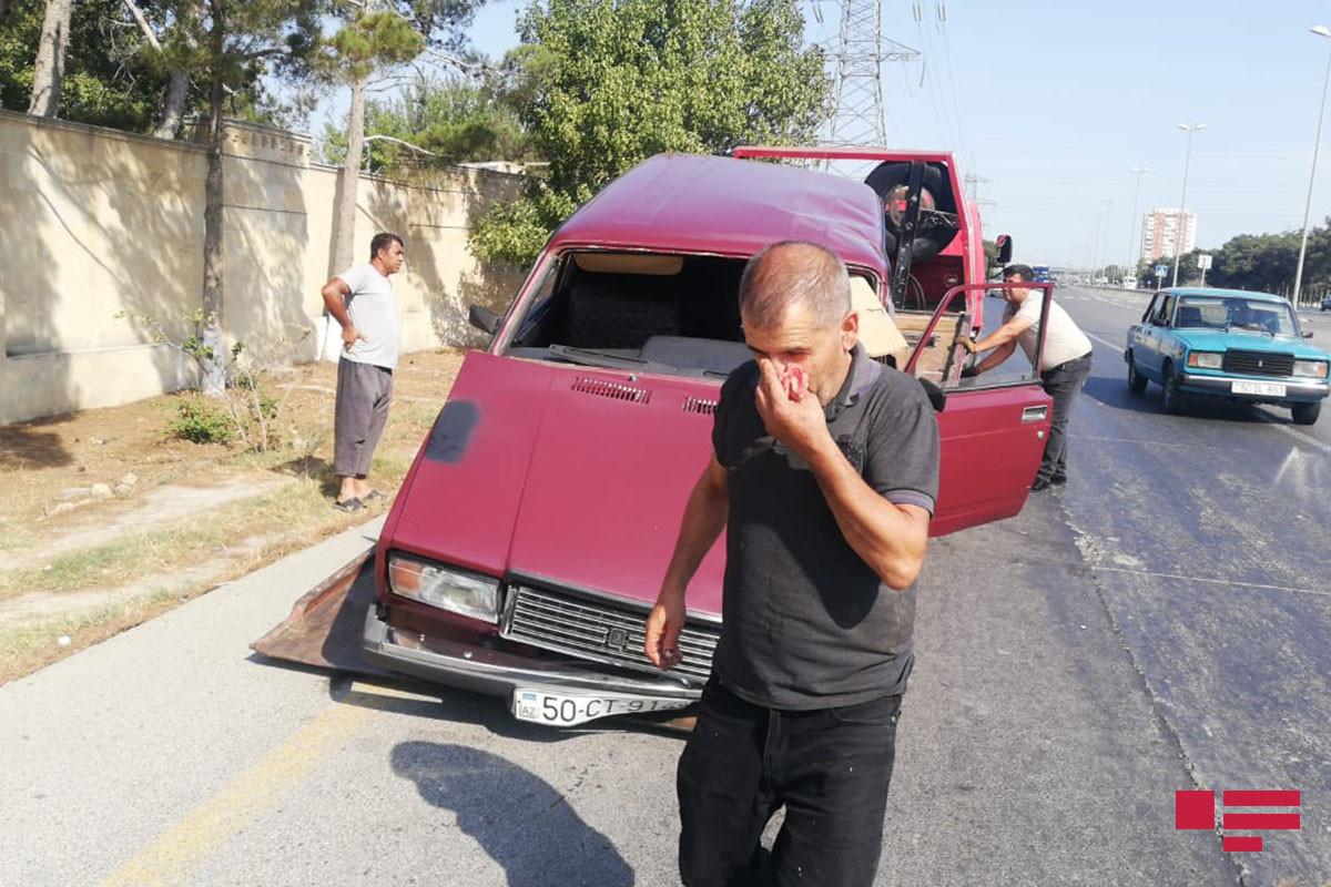"Sükan arxasında yuxulayan sürücü avtomobili yol nişanına çırpıb - <span class=""red_color"">FOTO - <span class=""red_color"">VİDEO"