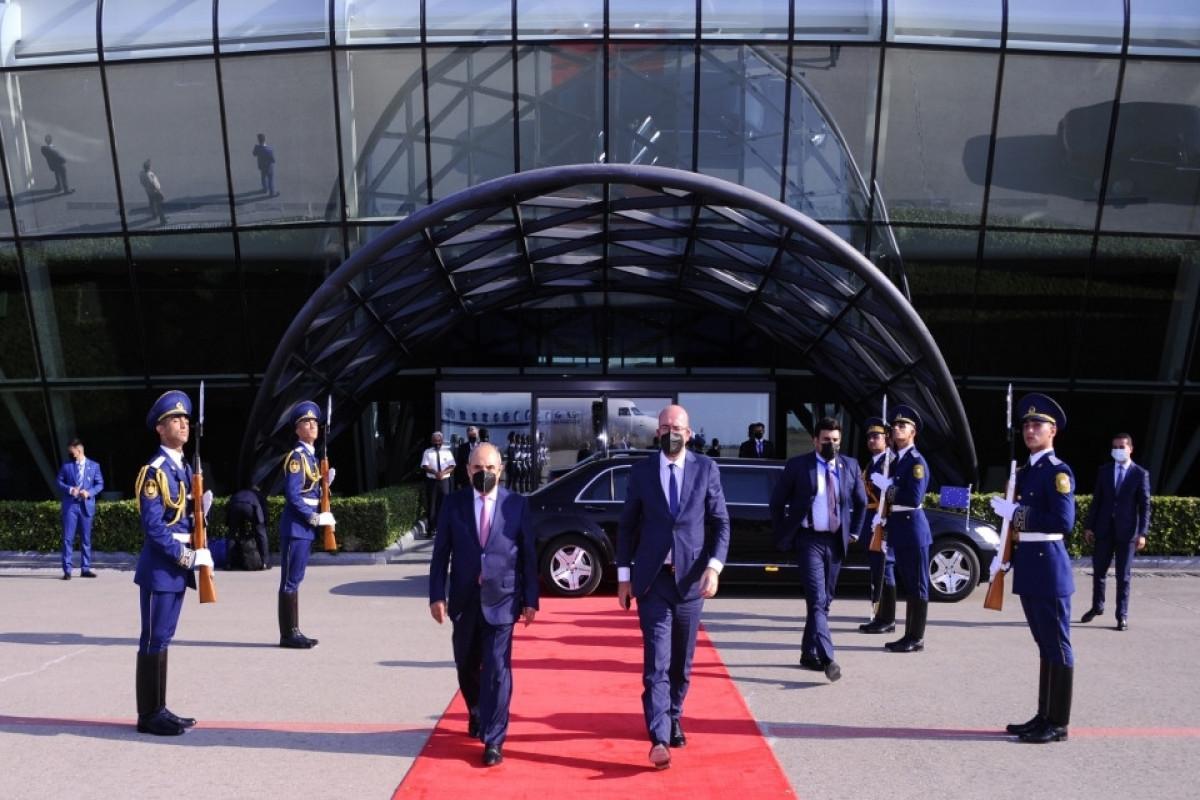Завершился визит президента Совета Европейского СоюзаШарля Мишеля в Азербайджан