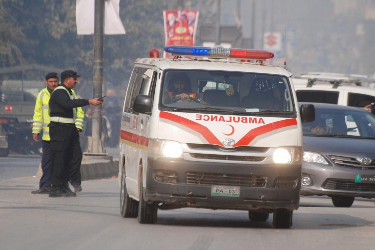 Pakistanda avtobusla yük maşınının toqquşması nəticəsində 27 nəfər ölüb