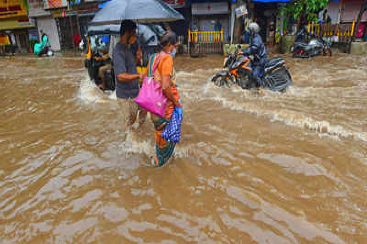 33 killed in rain-related incidents as heavy downpour pummels Mumbai
