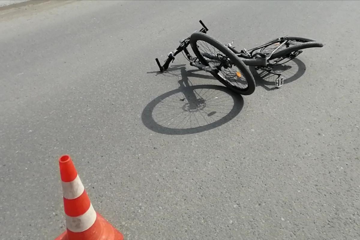 Biləsuvarda 17 yaşlı velosipedçini avtomobil vurub