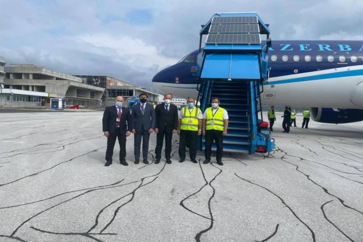 Самолет AZAL доставил в Боснию и Герцеговину вакцины против коронавируса-ФОТО
