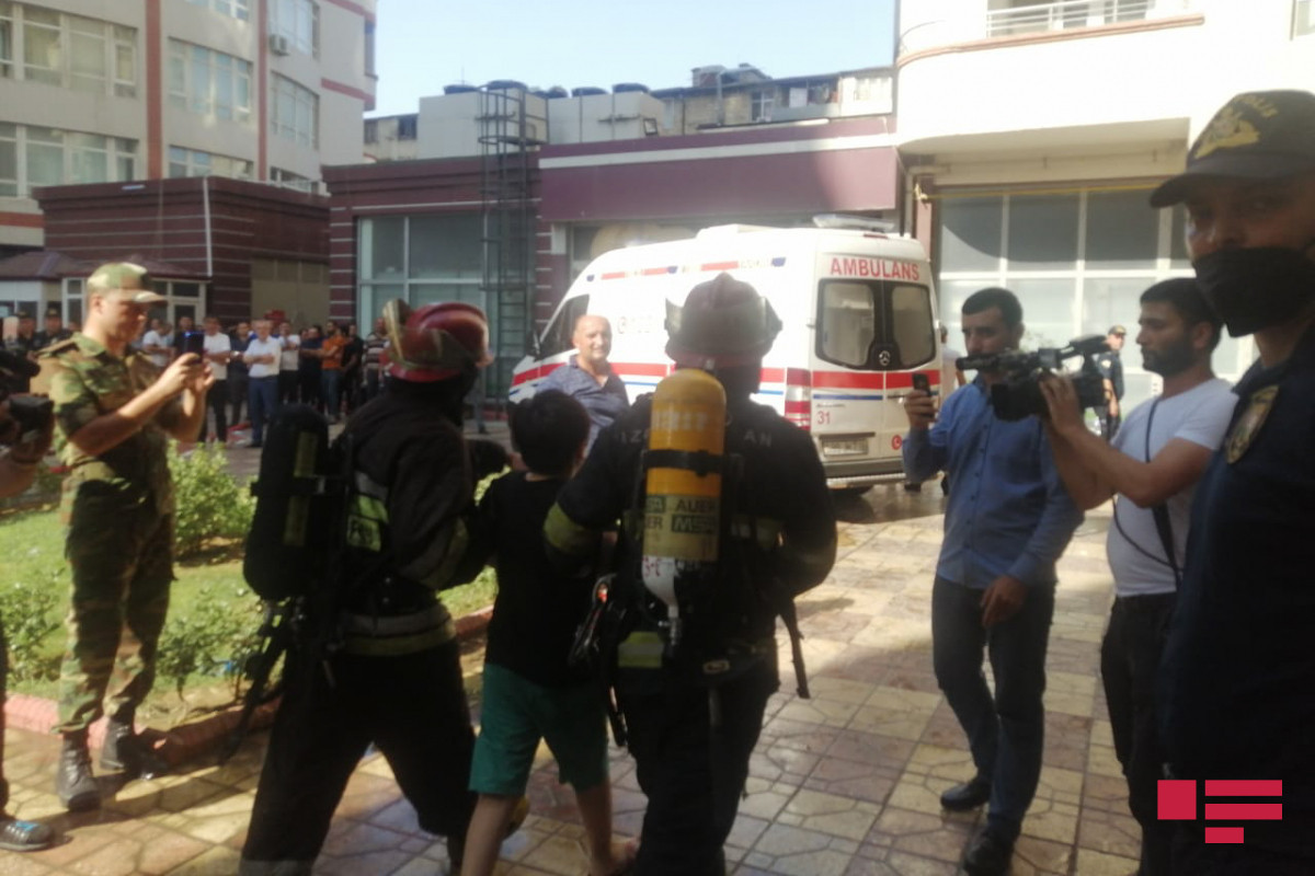 Fire extinguished in the building of the Life Center in Baku-UPDATED -PHOTO -VIDEO