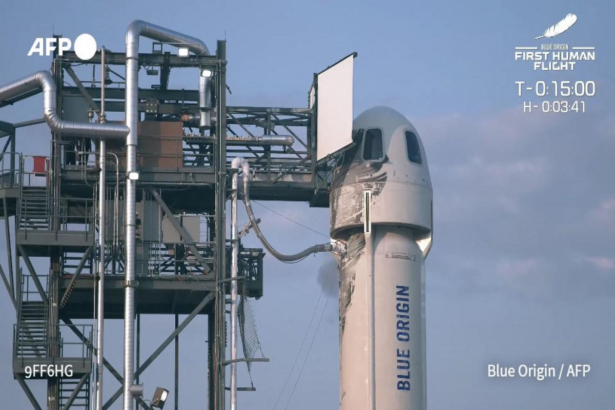 Основатель компании «Amazon» Джефф Безос совершил полетв космос