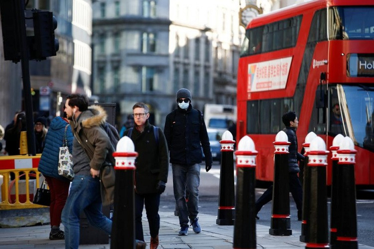 Britaniyada daha 46,5 min nəfərdə koronavirus aşkarlanıb