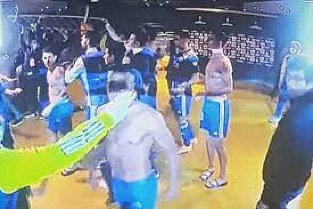 """Libertadores kubokunda dava düşüb - <span class=""""red_color"""">VİDEO"""