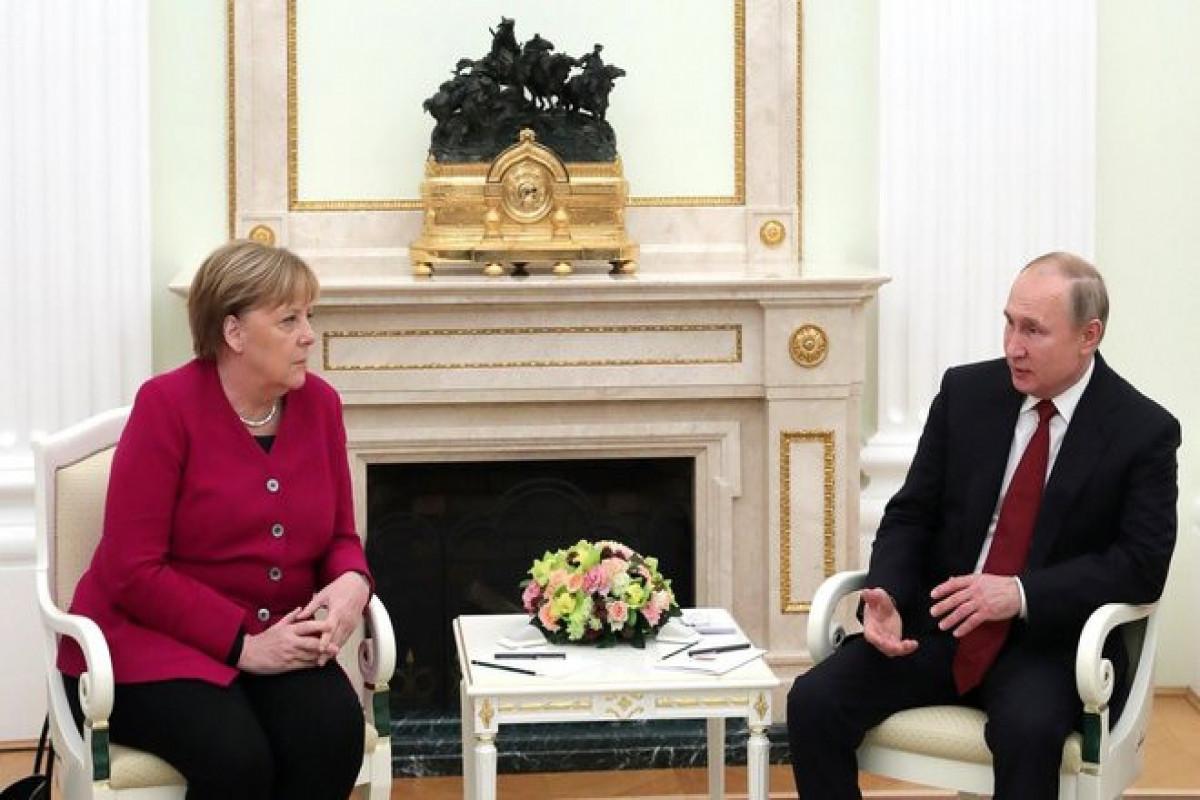 Путин обсудил с Меркель договоренности Германии и США по «Северному потоку – 2»