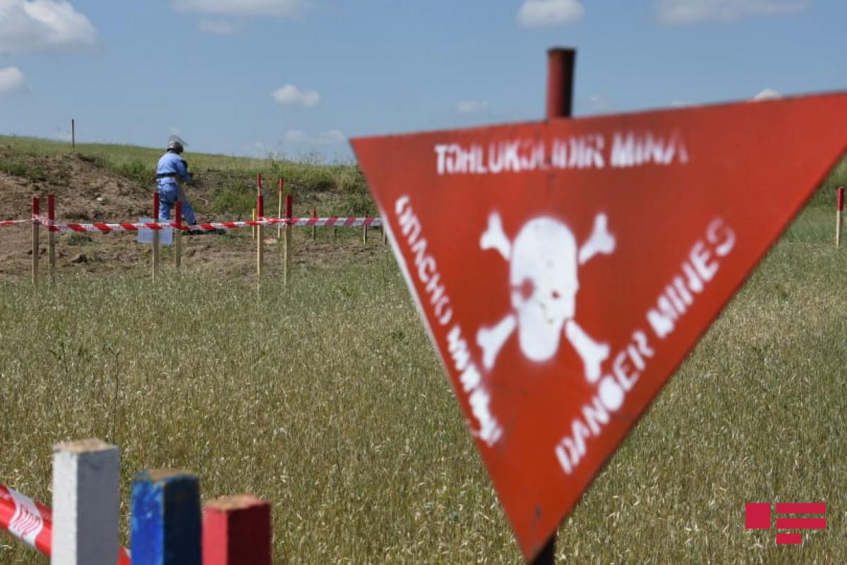 Два человека подорвались на мине на освобожденной от оккупации территории Ходжалинского района