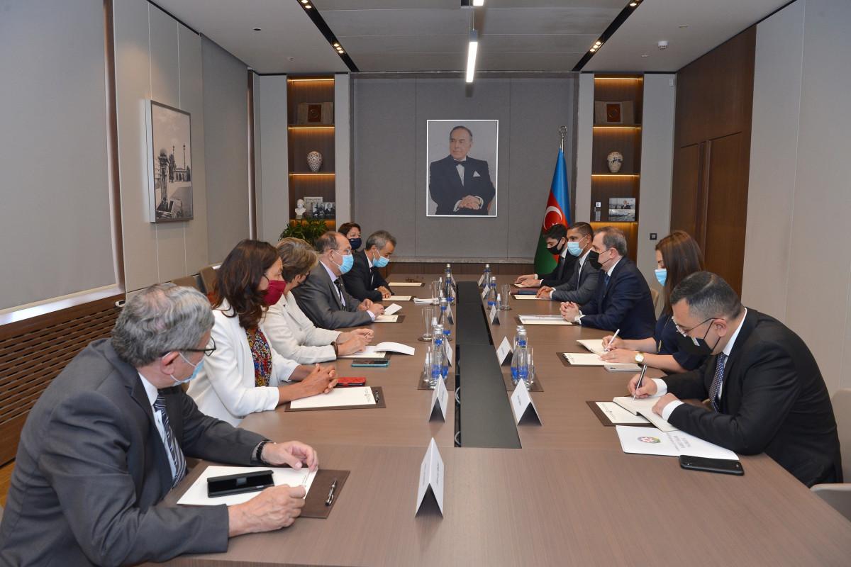 Джейхун Байрамов встретился с членами Национальной ассамблеи Франции-ФОТО