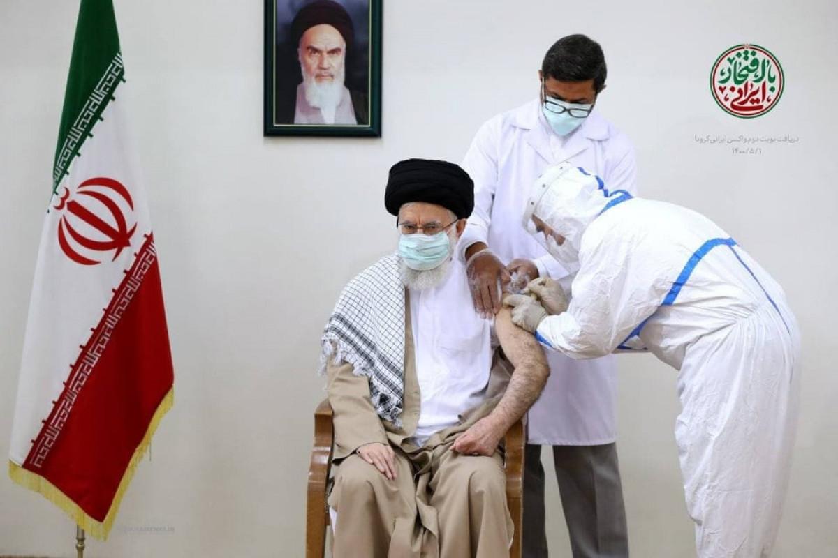 """Верховный лидер Ирана привился второй дозой вакцины «Ков Иран Баракат»-<span class=""""red_color"""">ФОТО"""