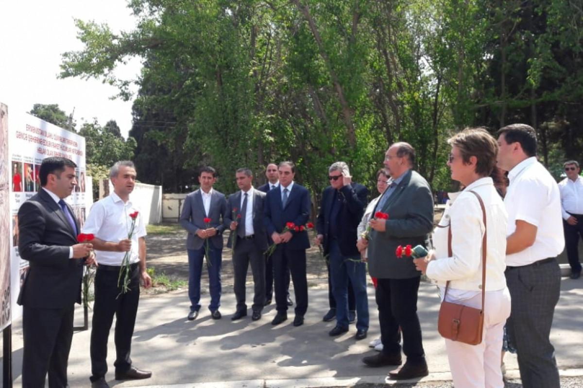 Члены Национальной ассамблеи Франции в Гяндже посетили территорию, подвергшуюся обстрелу со стороны Армении-ФОТО
