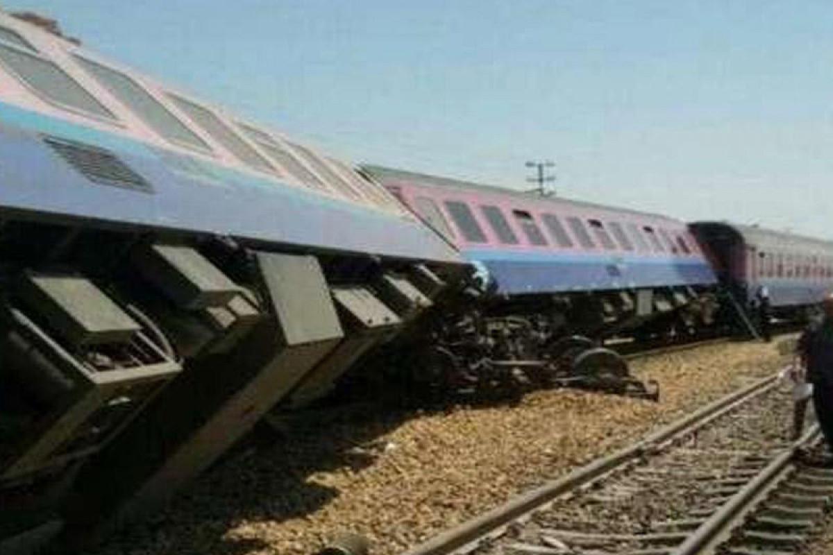 В Иране сошел с рельсов товарный поезд