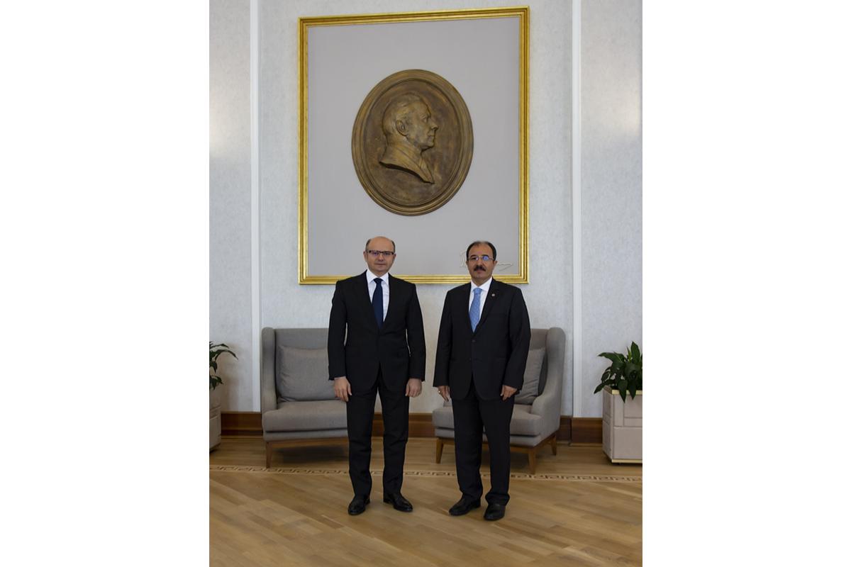 Министр энергетики встретился с послом Турции